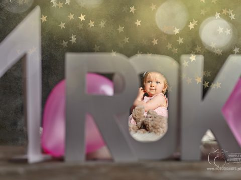Roczek - sesja roczek w Pile, urodziny pierwsze, zdjęcia na roczek Piła
